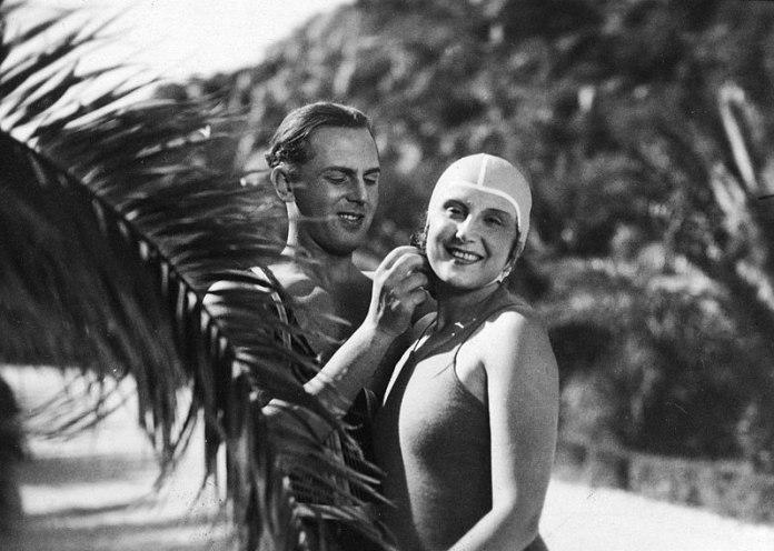 Альма Кар на знімальному майданчинку (1934)