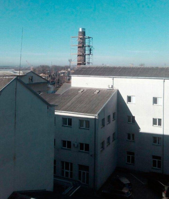 Сучасний димар на вулиці Шевченка, 115. Фото explorer.lviv.ua (користувач Drusja)