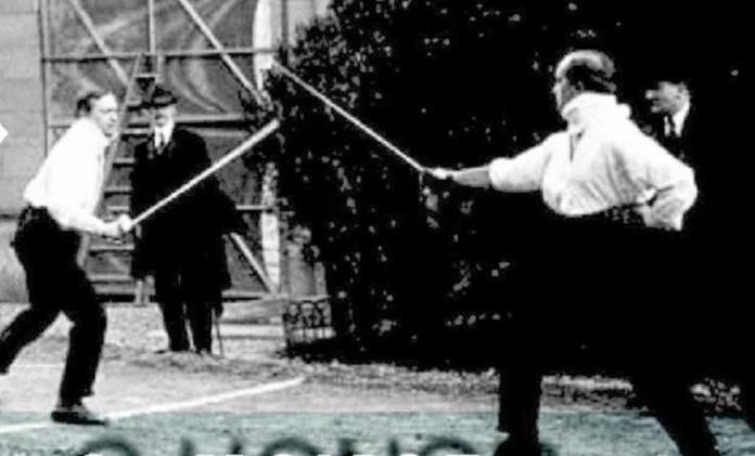 Леон Хвістек (ліворуч), 1914, фото: monoskop.org