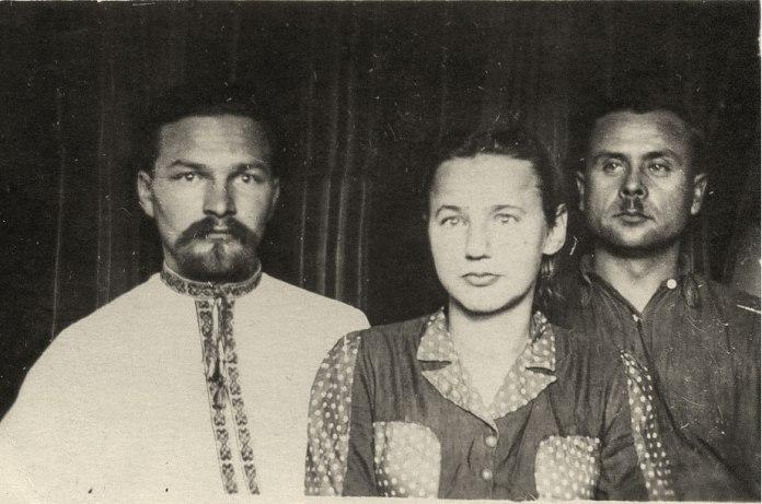 Олександр Савира-«Лаврін», Луцький окружний провідник, крайній ліворуч. Фото ГДА СБУ