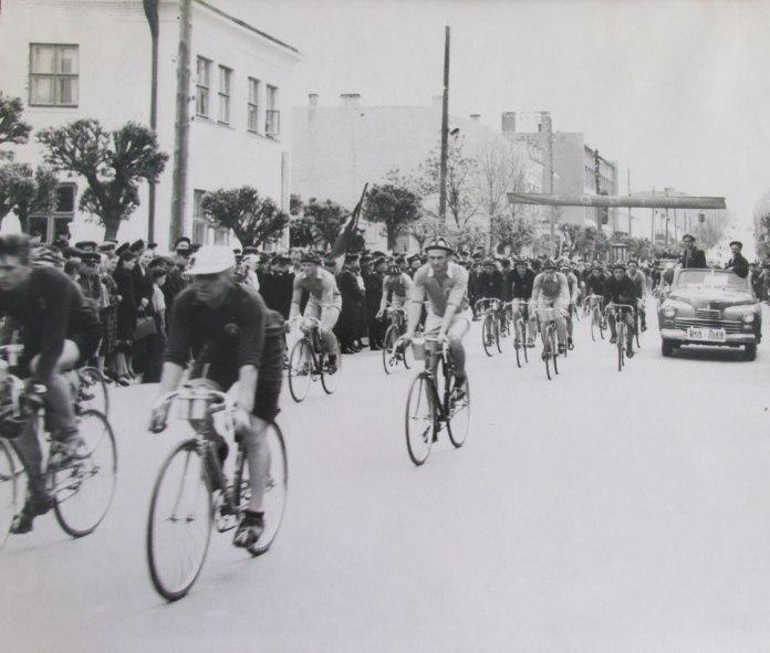 Велоперегони вулицями Рівного, 1954 р.