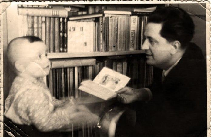 Михайло Горинь з сином Тарасом. Початок 1970-х років. Фото з ресурсу www.istpravda.com.ua