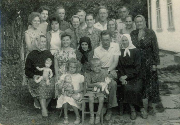 У колі родини