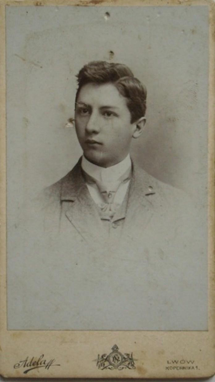Хлопець зі Львова, фотосалон «Аделя», 1900-ті рр.