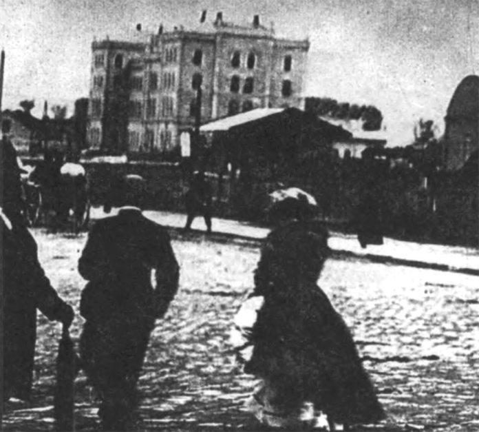 Чернівецький вокзал, вигляд із вулиці Городоцької. 1894 р.