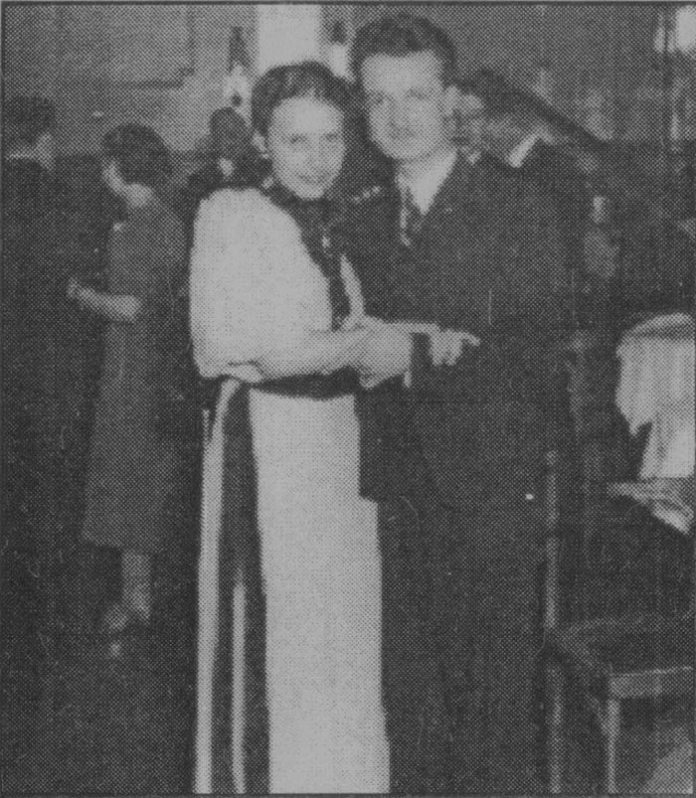 Юрій Кох на студентському вечорі. Познань, 1938