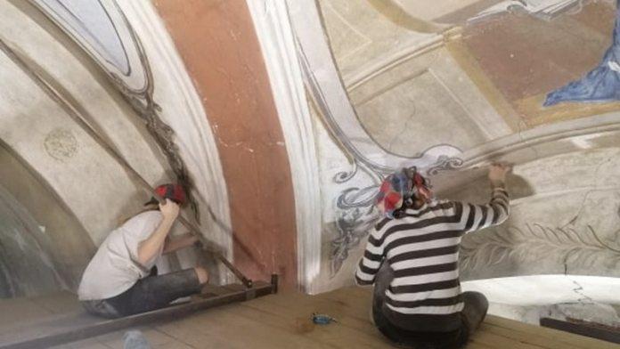 Віднайдені настінні живописи Санктуарію Матері Божої Винниківської