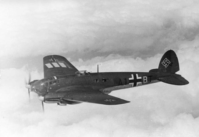 Літак HE-111