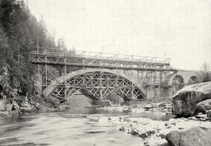 Будівництво мосту в Ямній. 1893 р.