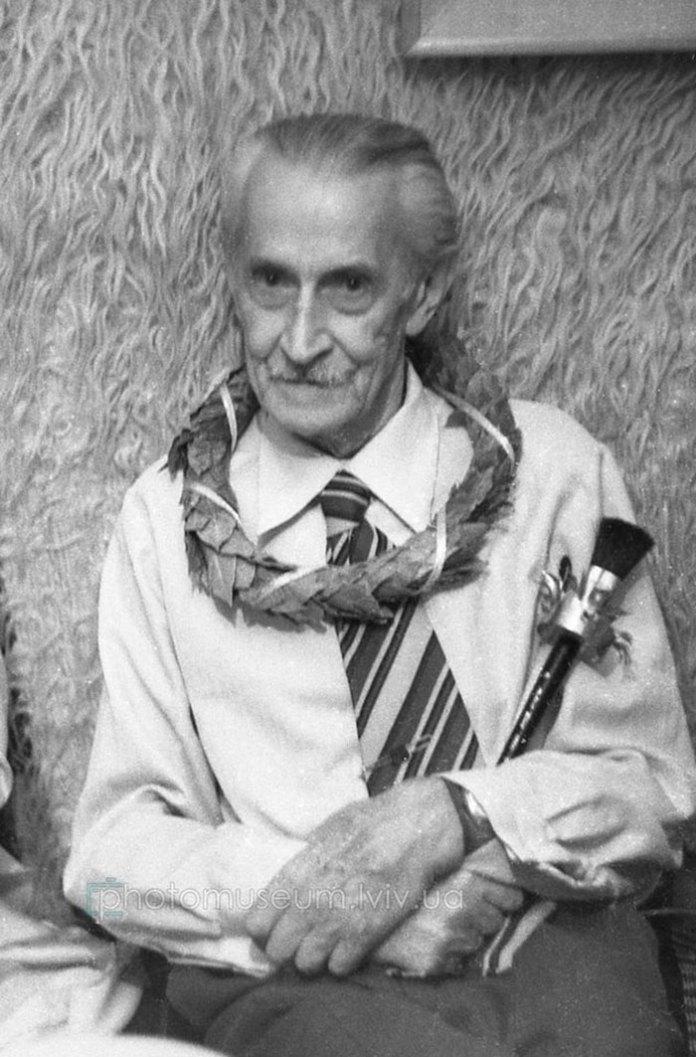Роман Сельський, фотографував Ярослав Коваль, 1983 р. Джерело фото https://www.facebook.com/photomuseum.lviv.ua/