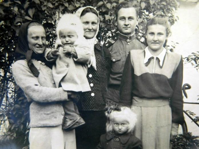 Родина Яковишиних