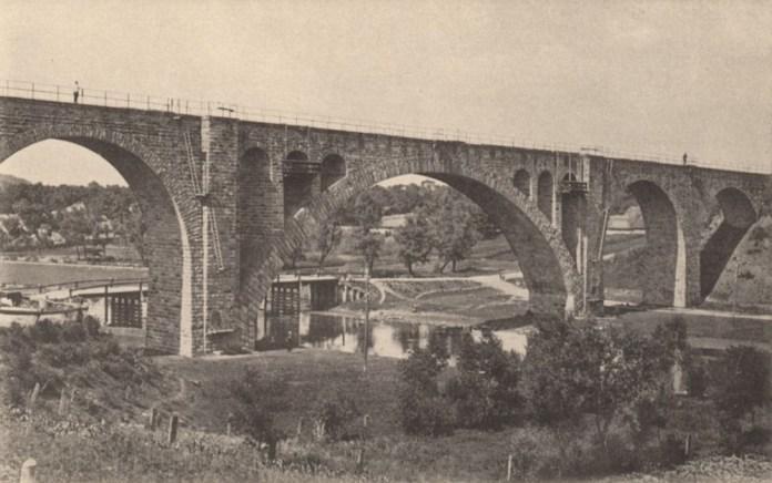 Міст через річку Серет неподалік станції Березовиця-Острів. Фото 1914 р.