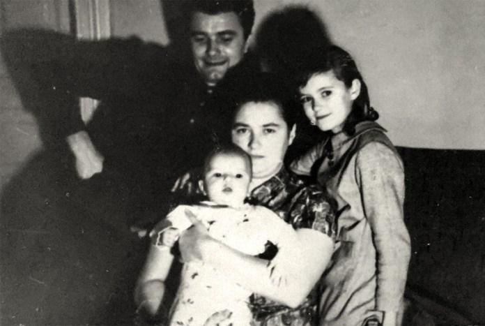 З. Флінта з дружиною Ганною, донькою Іриною ти сином Андрієм, 1970 р.
