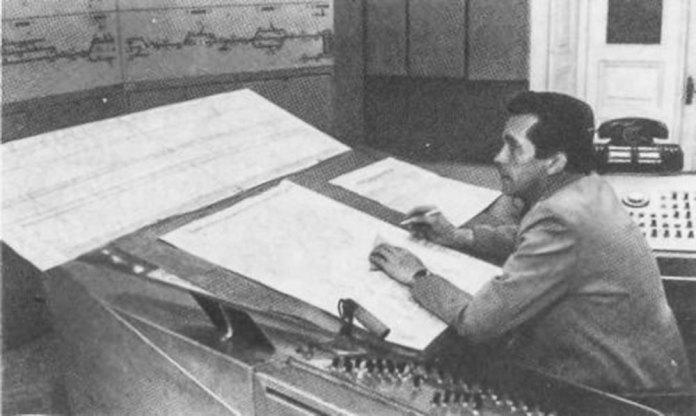 Пульт диспетчерської централізації. Фото 1970-х рр.