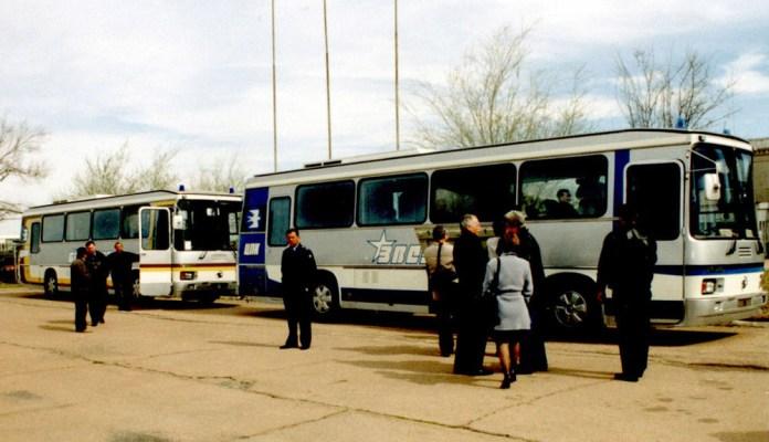 Автобуси ЛАЗ-5255 «Карпати», які доставляли космонавтів на стартовий майданчик космодрому «Байконур»