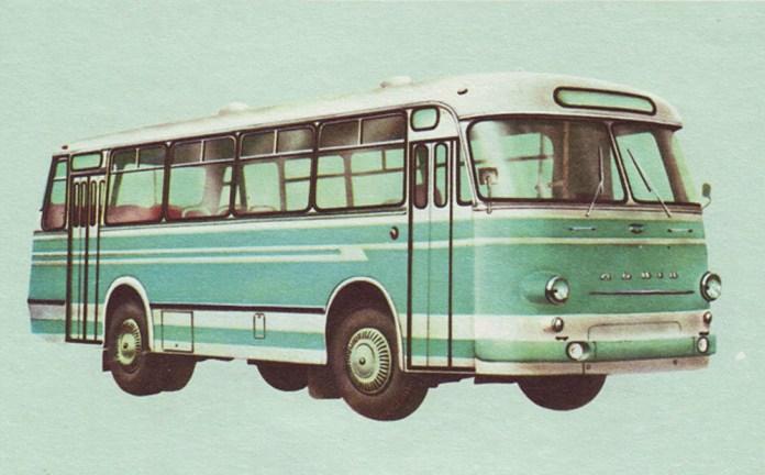 Перший дослідний прототип серійного автобуса ЛАЗ-695М, виготовлений у 1969 році