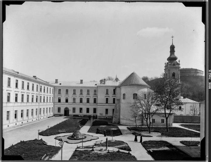 Будинок греко-католицької семінарії, 1895 р. Фотограф Натан Крігер