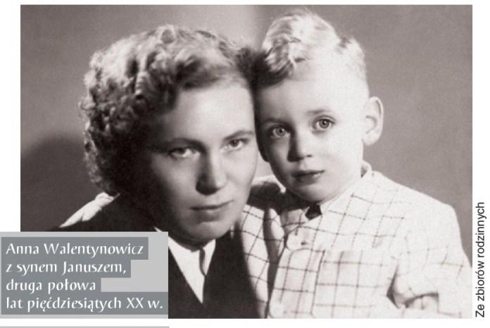 Анна Валентинович з сином Янушем. Фото другої половини 1950-х, з родинного архіву