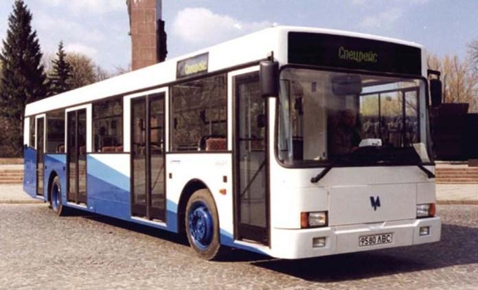 Перший український низькопідлоговий автобус «Тур» А181. 1998 р.