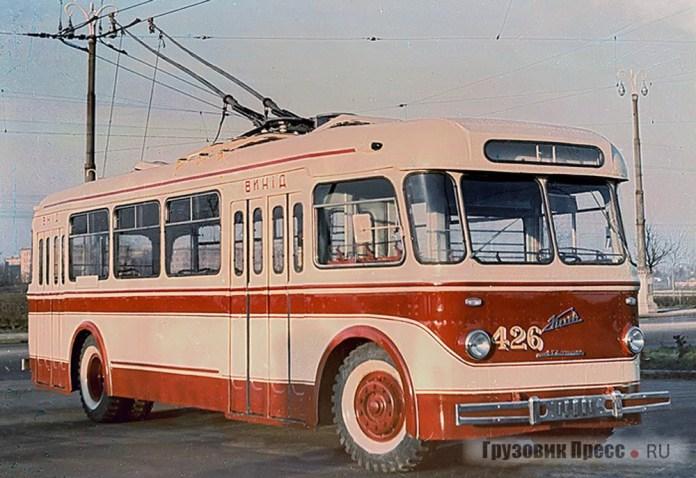 Серійний тролейбус КТБ-1 або «Київ-2» із деповським № 426. 1961 р.