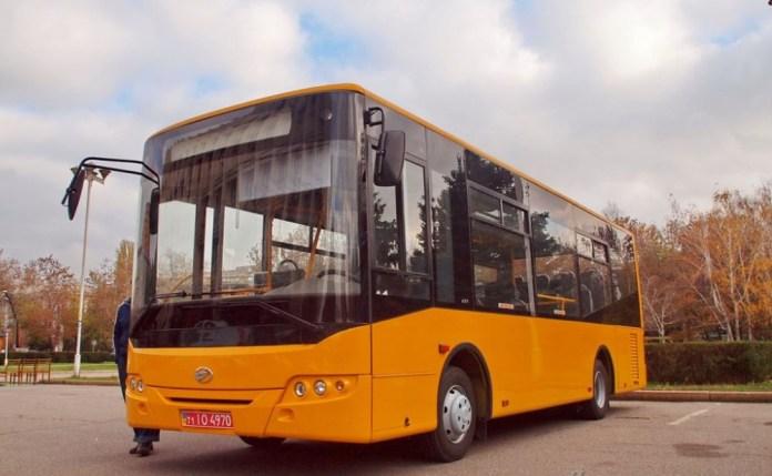 Автобус ЗАЗ А10С «І-Ван» – низькопідлоговий автобус середнього класу. Фото ІА «Думська» (Одеса)