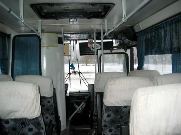 Салон автобус ЛАЗ А141. Вигляд в сторону кабіни