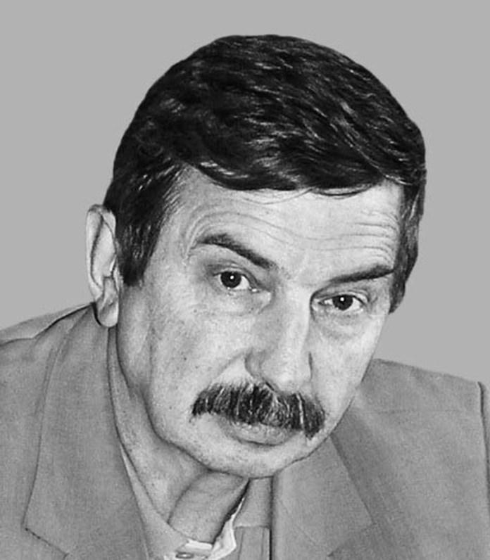 Керівник НДІ «Укравтобуспром» із 1993 року – Любомир Васильович Крайник