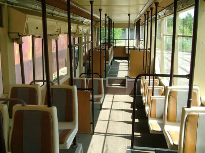 Салон трамвайного вагона ЛТ-10А
