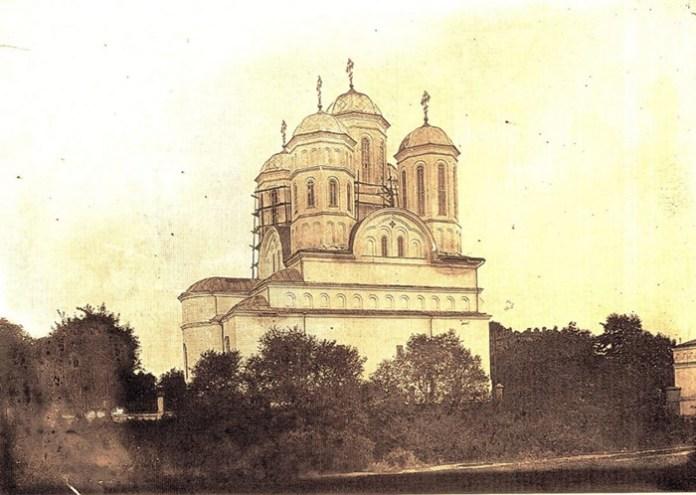 Богоявленський собор, вид з боку північної стіни, яка була частиною оборонного муру. Фото 1930-х років
