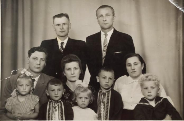Брати Козаки з родинами в Рівному