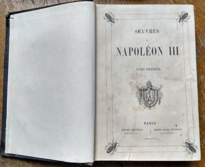 Один з томів про імператора Наполеона