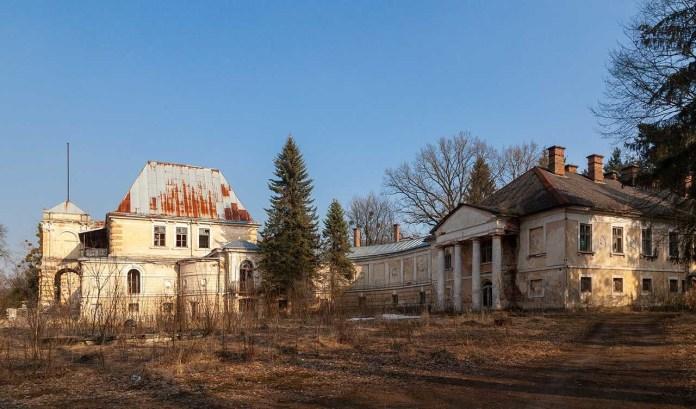Палац Жевуських-Лянцкоронських в Роздолі, березень 2021 р.
