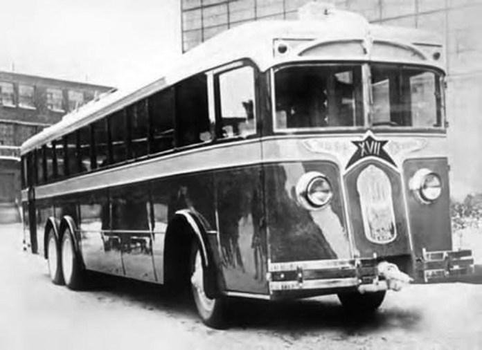 Тривісний тролейбус ЛК-3, виготовлений в єдиному примірнику. Фото 1934 року
