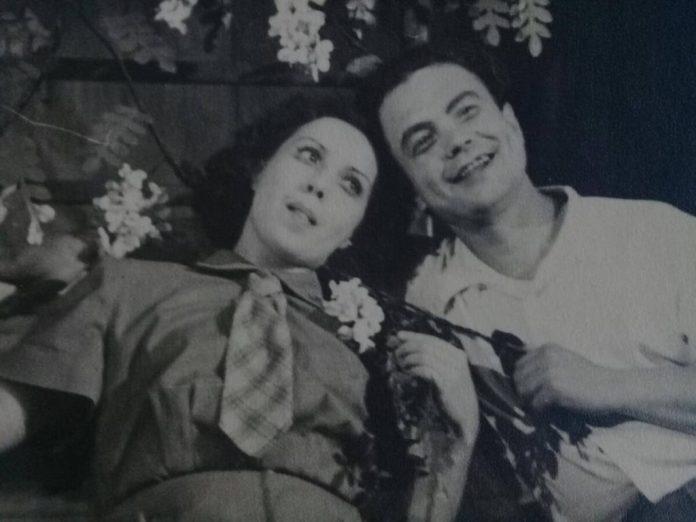 """Алла Логошовець з партнером у виставі """"Коли цвіте акація"""", 1955 рік"""