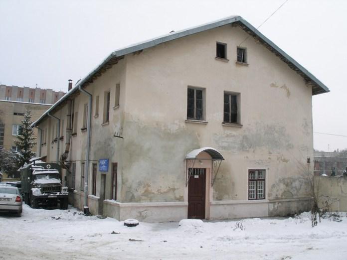 Будівля першого у Львові інфекційного відділення, зараз – один із корпусів ЛОКЛ, сучасне фото