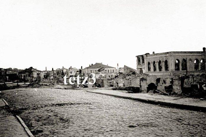 Праворуч руїни однієї з міських синагог