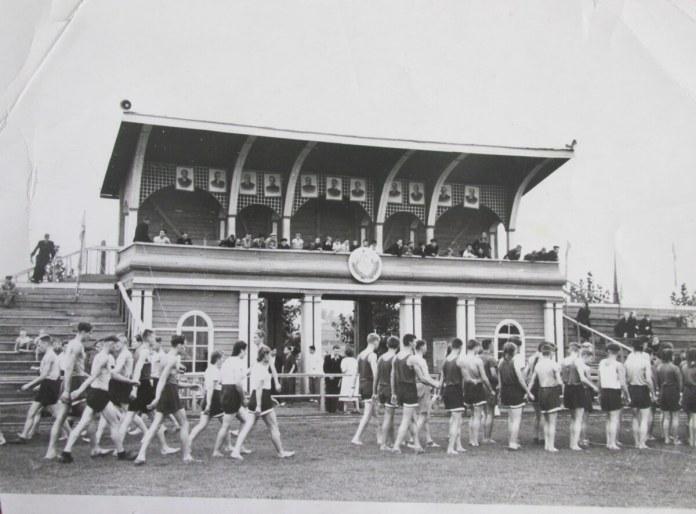 Стадіон післявоєнних років у Рівному