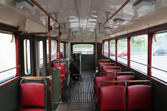 Салон музейного тролейбуса «Škoda 7Tr4». Фото 2015 року