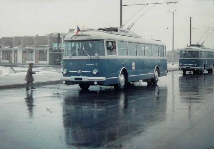 Чехословацькі тролейбуси «Škoda 9TrH23» відкривають тролейбусний рух у столиці Афганістану Кабулі. 9 лютого 1979 року