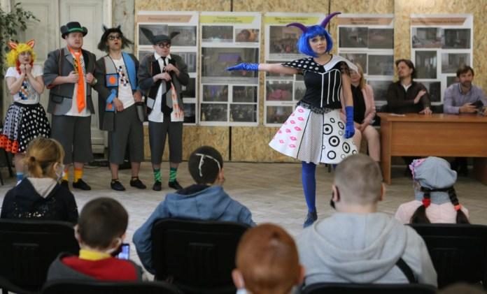 Сцена з вистави «Коза-Дереза». Фото Євгена Кравса