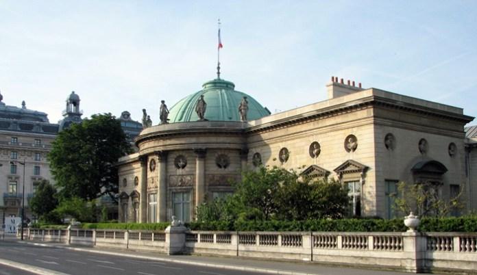 Готель де Сальм, де колись мешкала Любомирська, нині – Палац Почесного Легіону