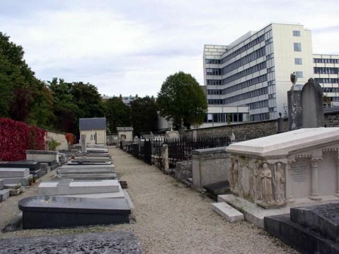 Поховання родичів гільйотинованих на Пікпюс