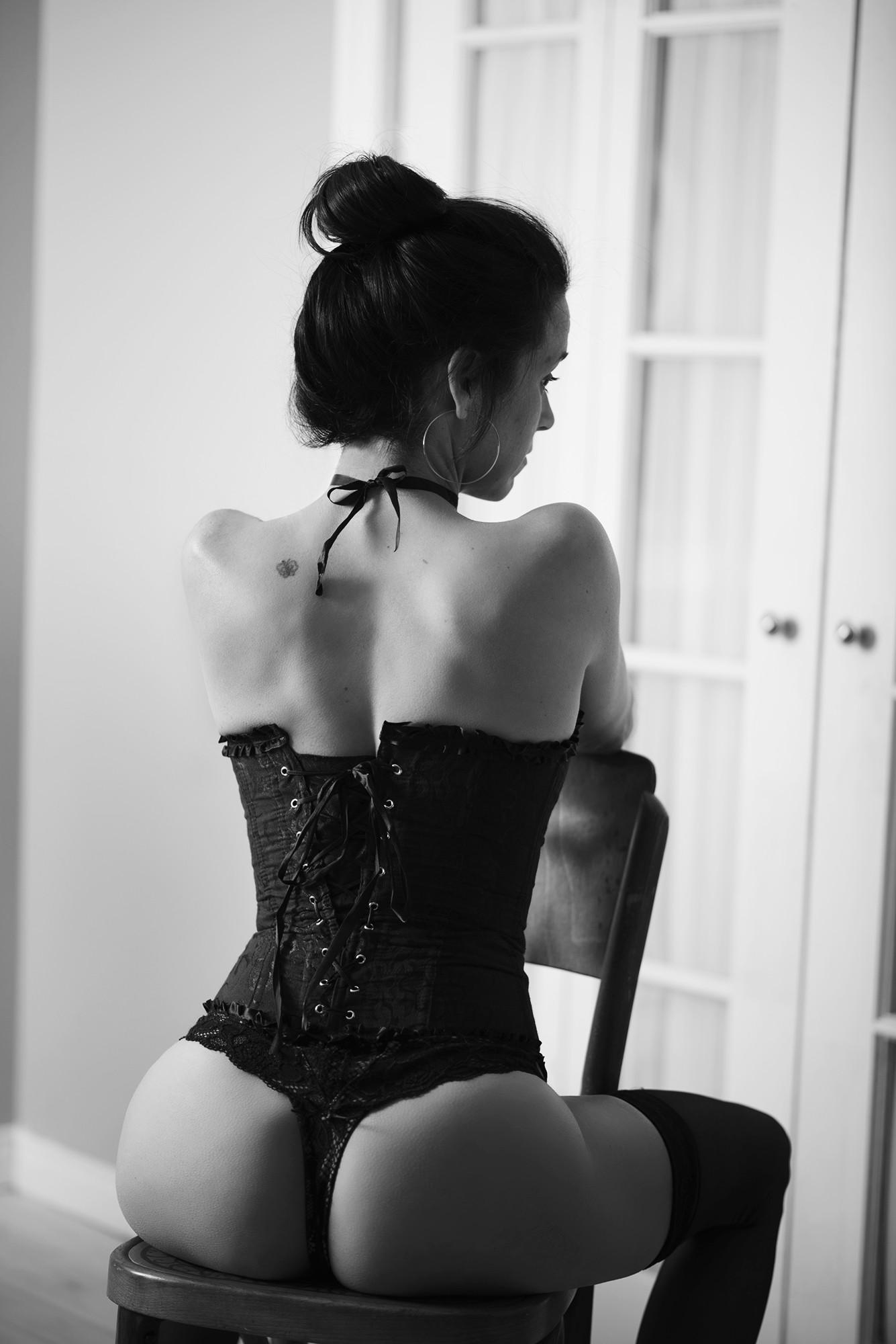 Photos Sensuelles Noir Et Blanc : photos, sensuelles, blanc, Séance, Photographie, Sensuelle, Blanc, Photo, D'une, Femme, Portant, Corset