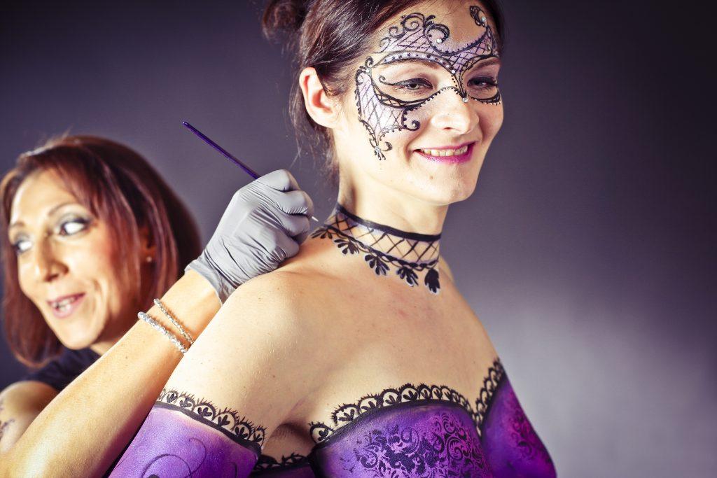 Body painting im Fotostudio bei der Langen Nacht, Bodypainting bei der Langen Nacht