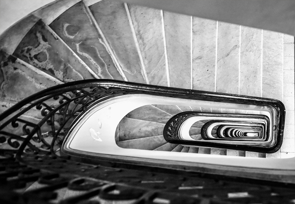 Winding stair cases