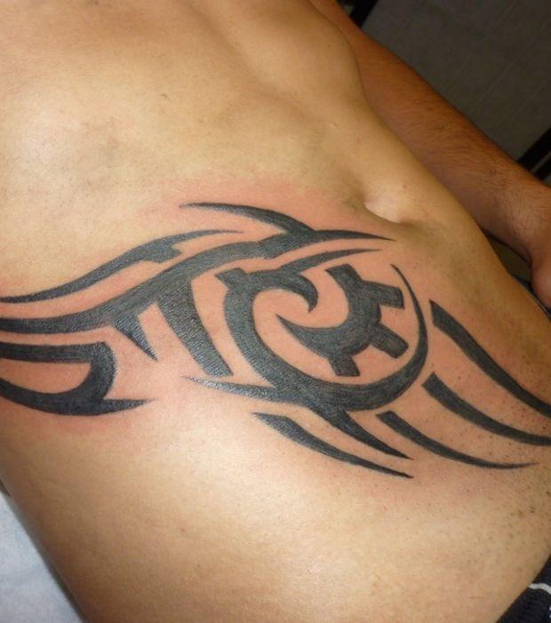 Tatouage Tribal Ventre Homme  Modèles Et Exemples