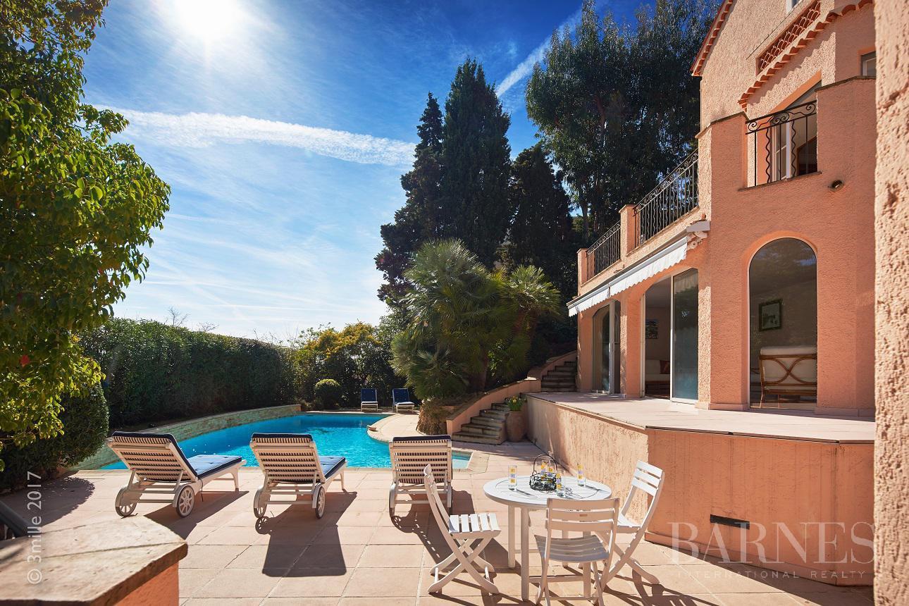 CANNES  VILLA  5 CHAMBRES  PISCINE  VUE MER  Locations saisonnires de luxe Cannes