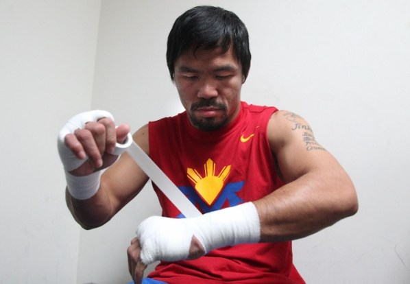 https://i0.wp.com/photo.boxingscene.com/uploads/Pacquiao_Tv%20Crews_150325_005a%20(720x499).jpg?w=598&ssl=1