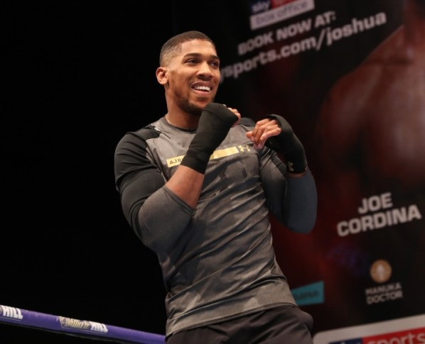https://i0.wp.com/photo.boxingscene.com/uploads/anthony-joshua%20(14)_1.jpg?w=598&ssl=1