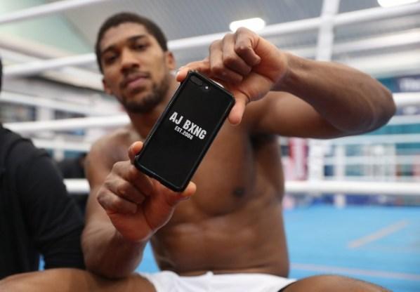 https://i0.wp.com/photo.boxingscene.com/uploads/anthony-joshua%20(15)_2.jpg?w=598&ssl=1